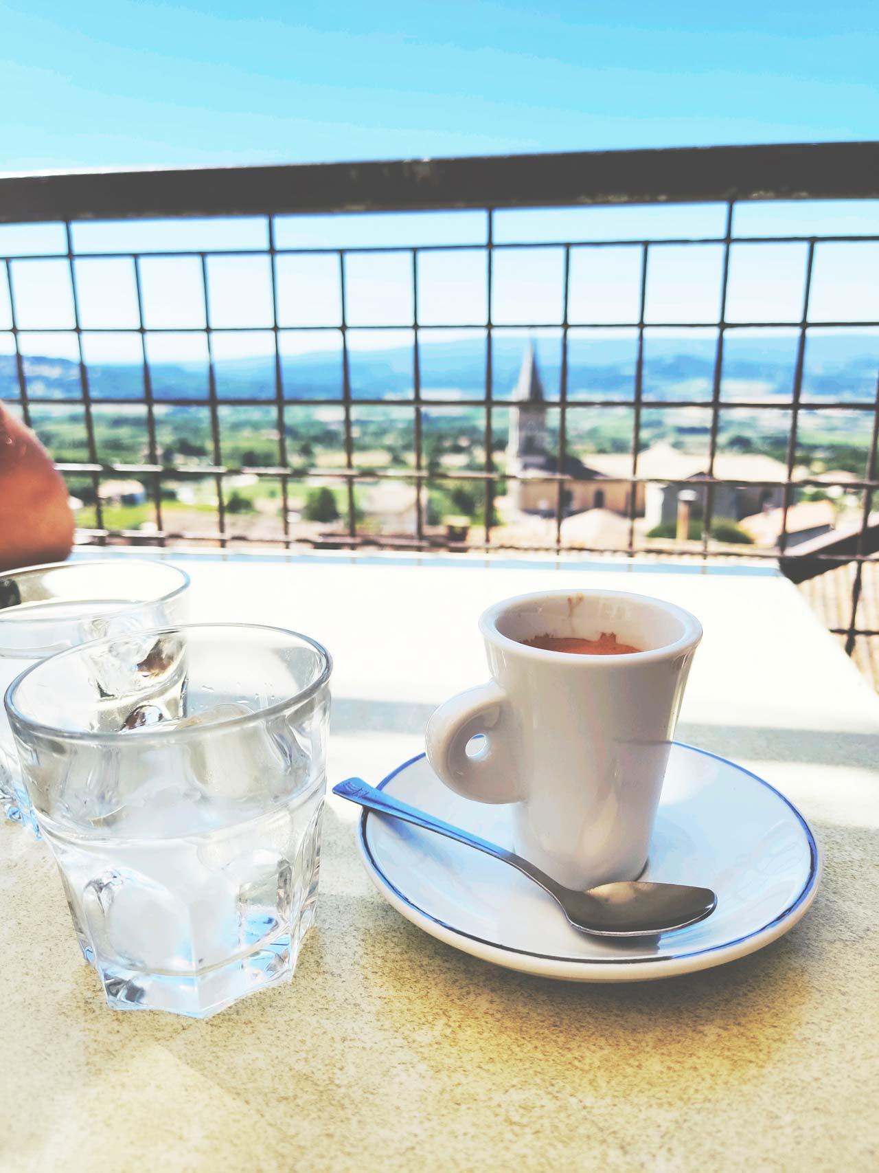 Provence-village-coffee